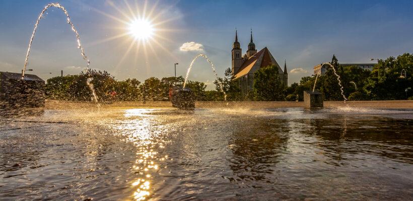 Wasserspiele am Elbufer Magdebur